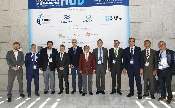 Autoridades y organizadores en el III Galician Offshore International Hub, en Ferrol.